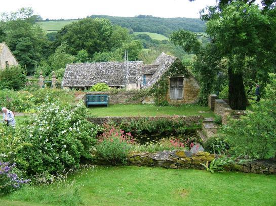 Snowshill garden